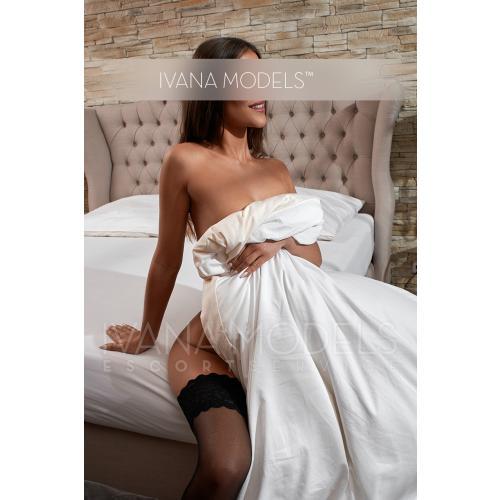 ivana-escort-model-adriana-12.jpg