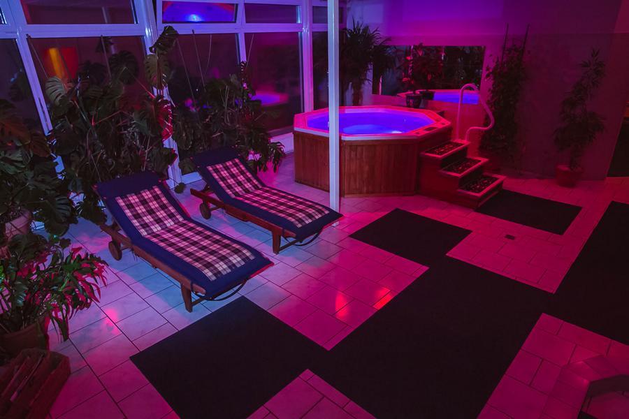 erotischer kontakt schleswig holstein sauna club nrw